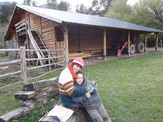 El galpon lo montaron los Chilenos sin ayuda....quedo increíble! Una obra de arte. Hoy es lugar de reunión