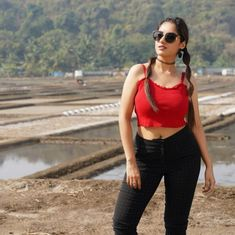 @deepikasingh150 - Deepika Singh Goyal - Deepika Singh, Crop Tops, Tank Tops, Camisole Top, Saree, Women, Fashion, Moda, Halter Tops