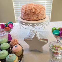Lalin's first birthday 🎂🎈💗 #1stbirthday #birthdaycake #party #tabledeco #babygirl