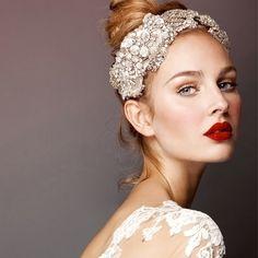 Sguardi ..del vostro giorno più bello, trucco delicato e naturale, romantico e fresco Alessandro Tosetti Www.alessandrotosetti.com www.tosettisposa.it #abitidasposa2015 #wedding #weddingdress #tosetti #tosettisposa #nozze #bride #alessandrotosetti #agenzia1870