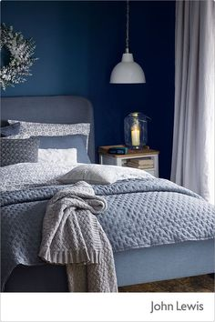 Best Modern Blue Bedroom for Your Home - bedroom design inspiration - bedroom design styles - bedroom furniture ideas - A modern motif for your bedroom can be merely achieved with strong blue wallpaper in an abstract style and formed bedlinen. Dark Blue Bedrooms, Navy Bedrooms, Blue Rooms, Bedroom With Blue Walls, Blue Purple Bedroom, Navy Blue Bedding, Peach Bedroom, Small Bedrooms, Grey Walls