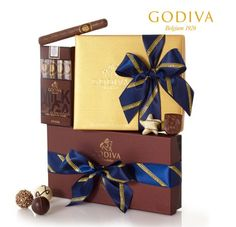 Dads love chocolate too! Show him some love with Godiva's Fathers' Day Gift set. @GODIVA #fathersday