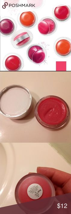 Clinique Sweet Pot Clinique Sweet Pot in Sweet Rose. Tested once. Not my color unfortunately. Sugar scrub on one side and tinted balm on the other! Clinique Makeup Lip Balm & Gloss