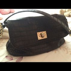 Liz Claiborne Shoulder Handbag PRICE FIRMBeautiful crocodile looking skin patterned bag for everyday! Nice and roomy for a lot of stuff. Gently used with minor wear on the opening clasp (not sure what it's called!). Liz Claiborne Bags Shoulder Bags
