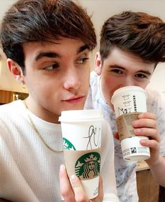 Jack and Rye with Starbucks ☕ Rye Beaumont, Roadtrip Boyband, Brooklyn Wyatt, Sam And Colby, Smile Because, The Duff, Tv, Road Trip, Starbucks