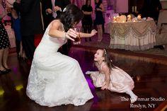 www.glenmarstudio.com #glenmarstudio #weddingphotography #weddingday #brideandflowergirl #danceoff #reception