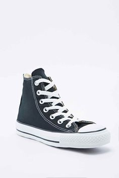 Converse Chuck Taylor High Top Trainers in Black