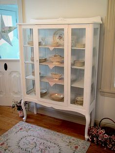White China Cabinet with Queen Anne Legs
