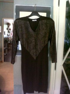 jersey and gold embroidery for this winter evening dress