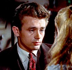 James Dean - East of Eden gif Old Hollywood Actors, Golden Age Of Hollywood, Gifs, James Dean Pictures, Dean Gif, Rebel Without A Cause, East Of Eden, Jimmy Dean, Attractive Men