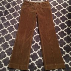 Athleta pants Great condition and brand. So soft with lots of zip pockets Athleta Pants