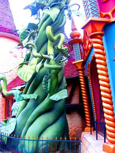 Beanstalk in Fantasy land - Disneyland Paris