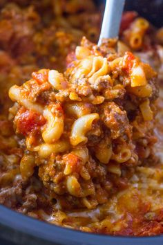 slow cooker ground beef and cheese pasta | Gimme Delicious