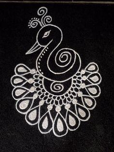 Favone for earring Small Rangoli Design, Rangoli Designs Images, Beautiful Rangoli Designs, Mehandi Designs, Rangoli Patterns, Rangoli Ideas, Kolam Rangoli, Indian Rangoli, Peacock Drawing