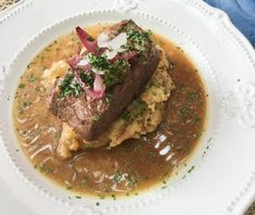 Chilean Plateada or Oven-Roasted Beef Brisket is a staple of the Chilean Cuisine, a tender meat to enjoy with family on the weekends. Brisket, Oven Roast Beef, Boneless Short Ribs, Chilean Recipes, Latin American Food, Smoked Paprika, Spicy, Menu, Gourmet