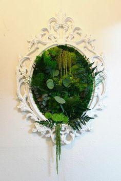 dekoideen frühling ein spiegelrahmen mit moos beplanzen