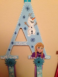Frozen themed hair bow holder. Can customize by awcustomlettering