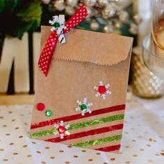 Custom Decorate a Gift Bag Christmas Gift Bags, Christmas Gift Wrapping, Christmas Paper, Holiday Gifts, Christmas Crafts, Xmas, Creative Gift Wrapping, Creative Gifts, Paper Bag Decoration