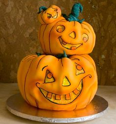 Pumpkins cake...that little one is really cute!