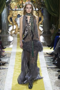 Roberto Cavalli Fall 2016 Ready-to-Wear Fashion Show - Model: Maartje Verhoef