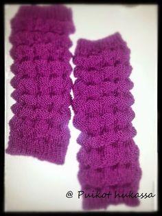 Puikot hukassa: Haitarisäärystimet Knitting Socks, Leg Warmers, Handicraft, Fingerless Gloves, Knitting Patterns, Knit Crochet, Crafty, Handmade, Diy