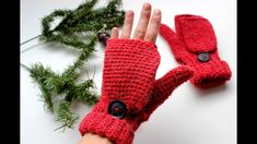 After long time I finally made pattern of fingerless convertible mittens for adults. This will fit medium size hand. You can use 5 mm crochet hook to make it l Crochet Mittens Pattern, Crochet Gloves, Crochet Hooks, Knitting Patterns, Crochet Patterns, Hat Patterns, Knitting Tutorials, Loom Knitting, Free Knitting