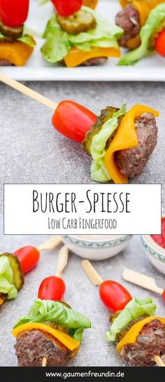 Low carb burger skewers - healthy finger food for party or picnic- Advertising. Quick recipe for low carb burger skewers with meatballs, cucumbers and tomatoes – the burger bites are the perfect low carb finger food for parties or picnics Healthy Finger Foods, Healthy Food Recipes, Party Finger Foods, Snacks Für Party, Quick Recipes, Low Carb Recipes, Healthy Snacks, Healthy Party Foods, Mexican Finger Foods