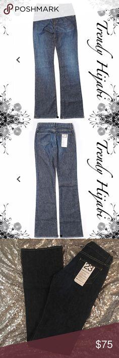 "PAPER DENIM & CLOTH Bootcut Jean 33' Inseam Sz 23 Boot leg cut Super low rise waist Dark wash Blue and Gray Measurements 33"" Inseam Materials 97% Cotton, 3% Lycra Spandex Paper Denim & Cloth Jeans Boot Cut"