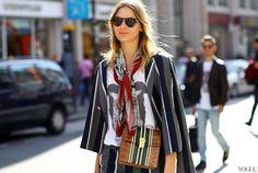 stylish ways to wear a scarf
