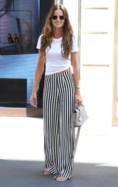 About Last Night: See What the Stars Wore See the stars' best looks, from slaying the red carpet to flawless street style ensembles and more! Summer Pants Outfits, Stylish Summer Outfits, Spring Outfits, Cool Outfits, Casual Outfits, Fashion Outfits, Flowy Pants Outfit, Pantalon Large, Looks Style