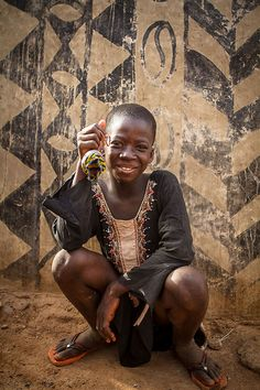 Portrait of child in Gurunsi