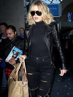 Star Tracks: Monday, January 18, 2016   TAKING FLIGHT   On Friday, Khloé Kardashian made her way through LAX in Los Angeles.