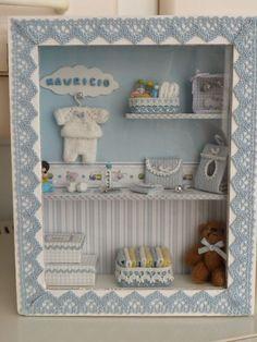 Coisas de  BB menino Box Frame Art, Shadow Box Frames, Vitrine Miniature, Miniature Rooms, Boite Explosive, Baby Nursery Decor, Nursery Bunting, Kit Bebe, Baby Frame