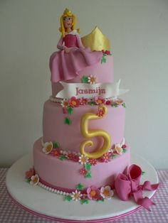 Beautiful Sleeping Beauty cake