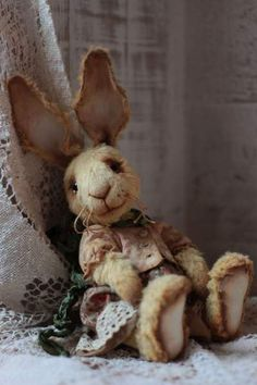 Birgit By Anzhelika Costin - Artist teddy bunny Birgit aprox.18 cm.100% handmadeOriginal sewing patternUnique / Exclusive !Viscose, cotton Filled with washable cotton craft and the stahl granulesglass eyesJoint discs - head (2), arms and legs are movable<...