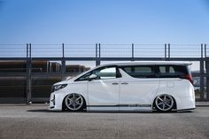 Luxury Van, Toyota Alphard, Scion, Chevy Camaro, Custom Cars, Cars And Motorcycles, Dream Cars, Dental, Truck
