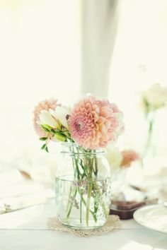 Dahlias in a blue mason jar!! :) Photography By / http://peachesandmint.com,Planning By / http://perfektehochzeit.at