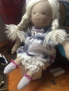Elisa's socks https://www.facebook.com/pages/Waldorf-Dakloos-Poppen/734198526664452