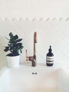 Cheap And Easy Diy Ideas: Chevron Tile Backsplash backsplash behind stove grout.Country Backsplash Home tan subway tile backsplash. Subway Tile Patterns, Subway Tiles, Downstairs Toilet, Minimalist Bathroom, White Tiles, Patterned Kitchen Tiles, Beautiful Bathrooms, White Bathrooms, Luxury Bathrooms