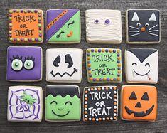 Halloween Cookie Recipes, Halloween Cookies Decorated, Halloween Sugar Cookies, Halloween Desserts, Fall Cookies, Mini Cookies, Iced Cookies, Royal Icing Cookies, Christmas Cookies