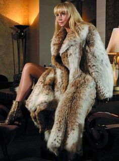 Lynx, Fur Coat Fashion, Fox Coat, Sexy Women, Women Wear, Fur Clothing, Fabulous Furs, Glamour, Fur Jacket