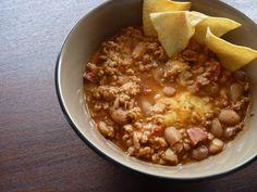 Chili      http://www.carlapinheiro.net/2012/05/uma-taca-de-chili-a-fumegar/