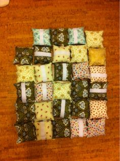 Port pillows - easy to make for those you know going through chemo and have a port: http://myfabricfriend.blogspot.com/