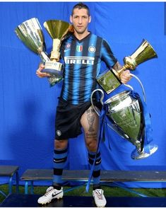 Marco Materazzi @marcomaterazzi @inter #MarcoMaterazzi #FCInternazionale #Internazionale #FCInter #InterMilano #Inter #Materazzi #Matrix… Best Football Players, Football Love, Retro Football, Vintage Football, Soccer Players, Football Team, Marco Materazzi, Inter Sport, We Are The Champions