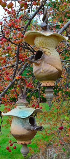 like elements of these bird houses…must try for our apple trees =tw – Modern Design - Modern Ceramic Birds, Ceramic Pottery, Ceramic Art, Clay Birds, Bird House Feeder, Bird Feeders, Bird Cages, Fairy Houses, Yard Art