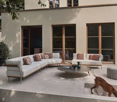 Manutti // A corner sofa for group seating that invites, inspires and connects - Flex Collection - Torsa Collection Outdoor Pool Furniture, Outdoor Sofa Sets, Outdoor Living, Kitchen Island Bar, Pub Set, Garden Sofa, Modular Sofa, Corner Sofa, Luxury Living