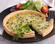 Flamiche aux poireaux : http://www.cuisineaz.com/recettes/flamiche-aux-poireaux-41502.aspx