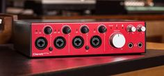 """Excellent sound is the quality Clarett owners love most. With up to 119dB dynamic range, superbly low noise, precision 24/192 conversion and eight specially-designed mic preamps with a unique analogue """"Air"""" effect, Clarett 4Pre simply sounds great, easily out-performing other interfaces in its class and beyond. Meanwhile, its astonishing 1.38ms round-trip latency* simplifies your workflow and lets you use your favourite plug-ins in real time."""