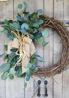 Artículos similares a Front door wreath, Greenery Wreath – Wreath Great for All Year Round – Everyday Burlap Wreath, Door Wreath, Front Door Wreath en Etsy – Grapevine Wreath İdeas. Diy Wreath, Grapevine Wreath, Burlap Wreath, Burlap Ribbon, Front Door Decor, Wreaths For Front Door, Door Wreaths, Greenery Wreath, Wedding Wreaths