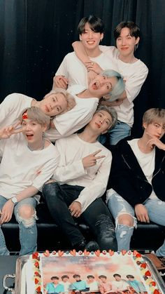 Informations About 61 Ideas Funny Quotes Hilarious Nerd - Bts - Evan Pin You can easily use my p Bts Taehyung, Bts Bangtan Boy, Bts Jimin, Jungkook Funny, Jungkook And Jin, Hoseok Bts, K Pop, Bts Group Picture, Bts Group Photos
